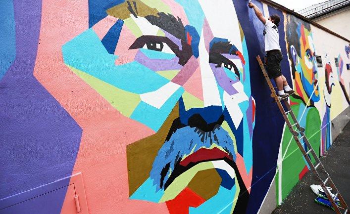 Граффити с изображением С. Черчесова, И. Акинфеева и А. Дзюбы в Москве