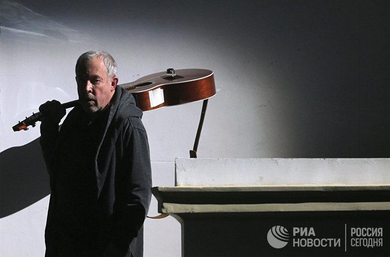 """Музыкальный мультимедийный спектакль """"Черт, солдат и скрипка"""""""
