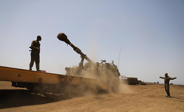 Израильские солдаты на Голанских высотах недалеко от сирийской границы