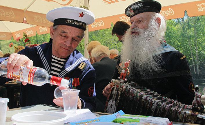 Праздничные гуляния ветеранов в Москве