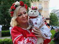 Участница марша вышиванок в Киеве. 19 мая 2018