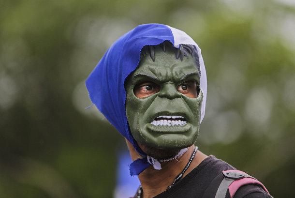 Участник студенческой демонстрации в Никарагуа