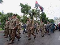 Ветераны Украинской повстанческой армии (ОУН-УПА, запрещенные в России организации) во время марша в день Праздника Героев во Львове