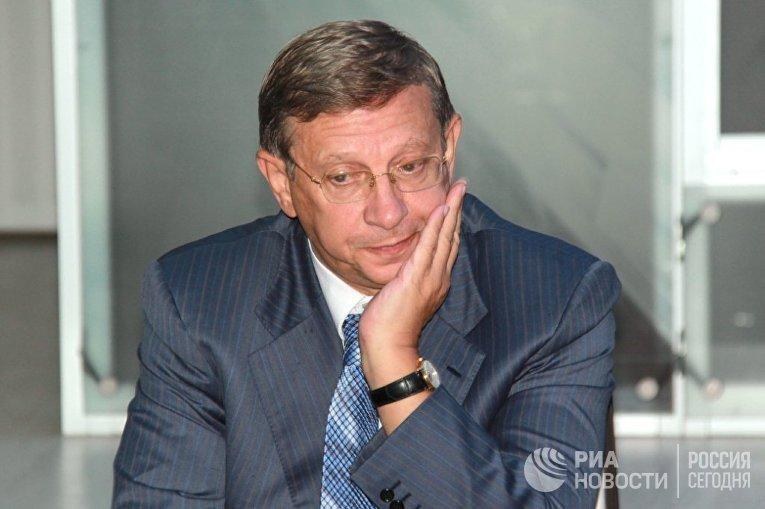 Председатель совета директоров АФК Система Владимир Евтушенков на встрече с журналистами в Нью-Дели