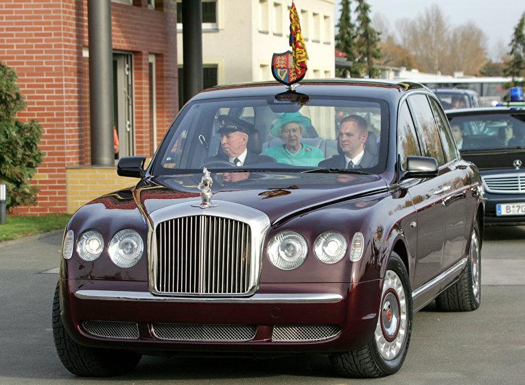Королева Великобритании Елизавета II и Принц Филипп в Берлине