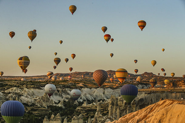 Воздушные шары в небе над Каппадокией, Турция