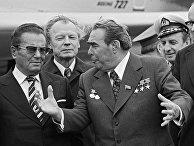 Президент Югославии Иосип Броз Тито и генсек ЦК КПСС Леонид Ильич Брежнев