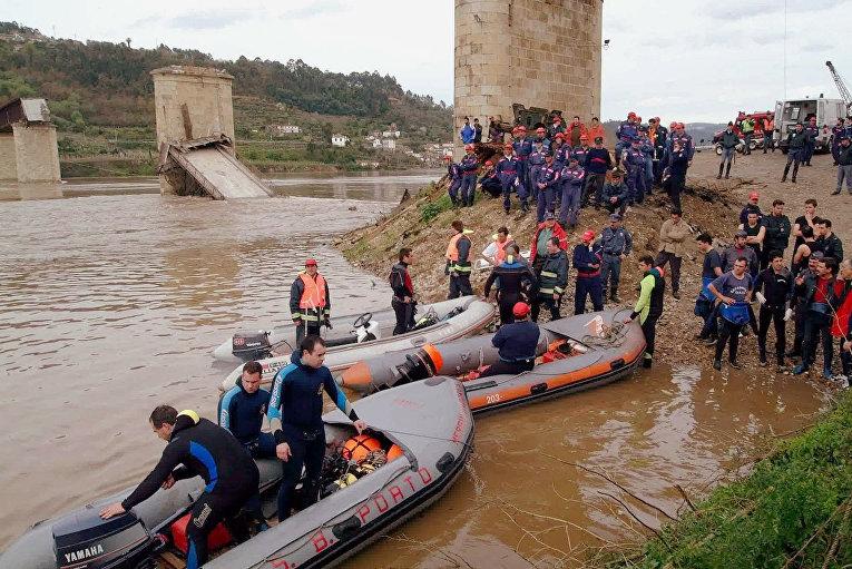 Португалия: 4 марта обушился фахверковый мост Понте Хинтце Рибейро в Каштелу-де-Пайв