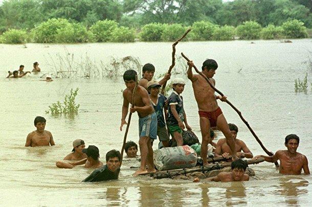 Перу: Сильные наводнения в результате погодного феномена Эль Нино стали причиной разрушений в стране