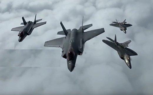 F-22 схлестнулись с F-35 в небе Норвегии из-за России