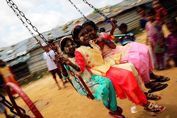 Дети рохинджа в лагере беженцев Кутупалонг в Бангладеш