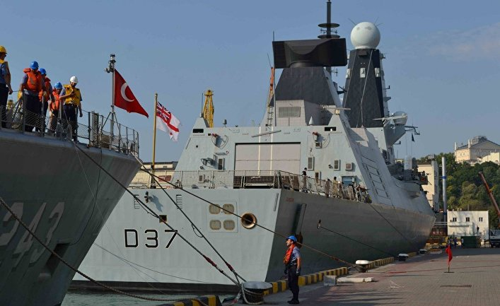 """Эсминец Королевских ВМС Великобритании """"DUNCAN"""" в порту Одессы. 24 июля 2017"""