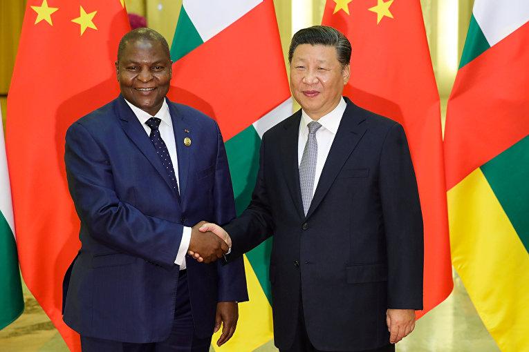 Председатель КНР Си Цзиньпин и президент Центрального Африканского Республики Фостен-Аршанж Туадер