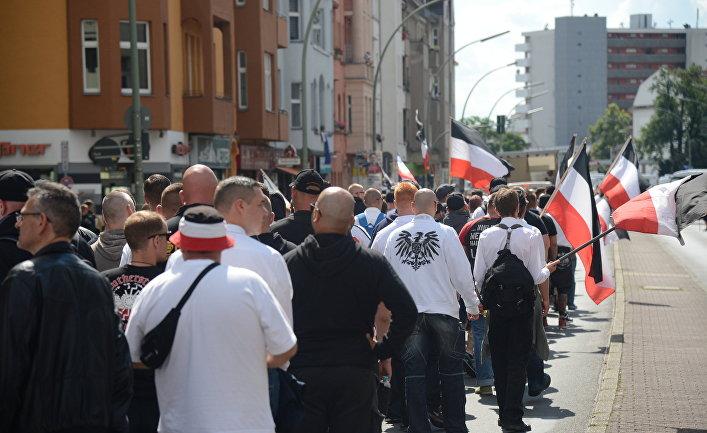 Акция неонацистов в Берлине в годовщину смерти Рудольфа Гесса. 19 августа 2017