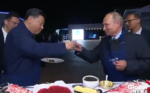 Путин, Си, блины и икра
