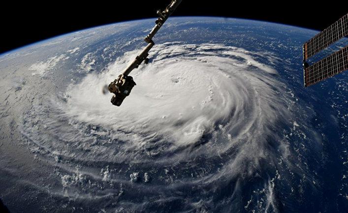 Вид с МКС на ураган «Флоренс» у восточного побережья Соединенных Штатов