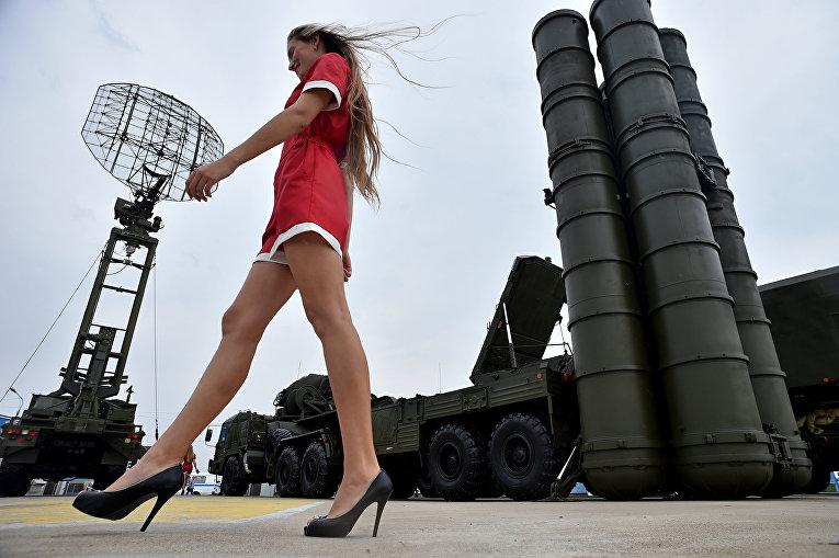 ПВО С-400 на выставке вооружений в подмосковном Жуковском