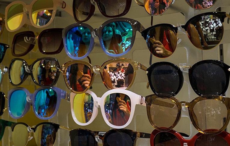 Магазин солнцезащитных очков в Шанхае