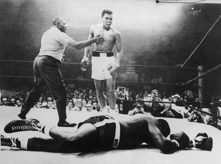 Американский боксер Мухаммед Али