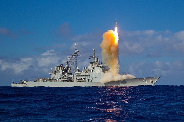 """Пуск ракеты с американского крейсера """"Лейк Эри"""""""