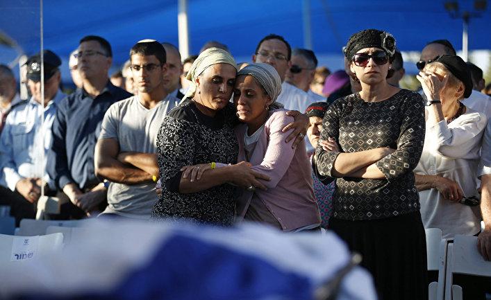 Похороны израильских подростков, убитых на Западном берегу реки Иордан