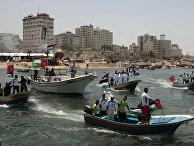 """16 человек погибли и десятки ранены в ходе задержания так называемой """"флотилии свободы"""", двигавшейся из Турции на прорыв блокады сектора Газы"""