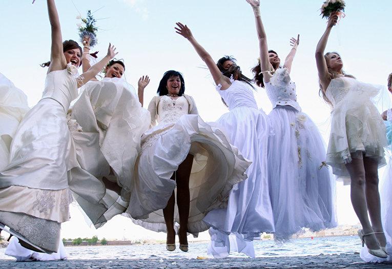 Участницы свадебного фестиваля в Санкт-Петербурге