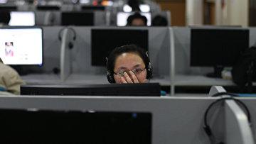 Девушка в интернет-кафе в Пекине