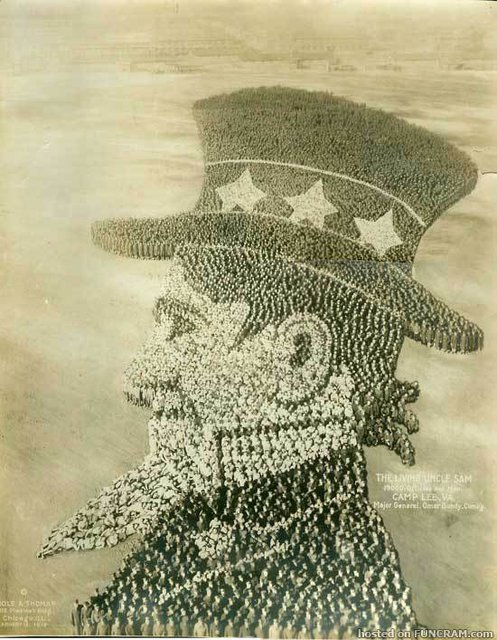 """Как солдаты армии США строили """"живые картины"""""""