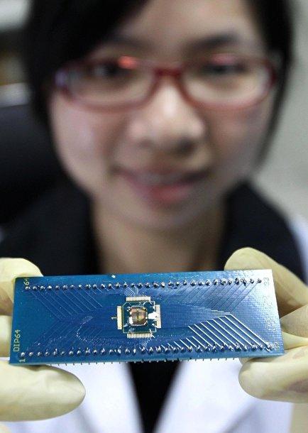 Чип PCRAM, произведенный Шанхайским институтом микросистем и информационных технологий совместно с Semiconductor Manufacturing International Corporation и Microchip Technology Incorporated