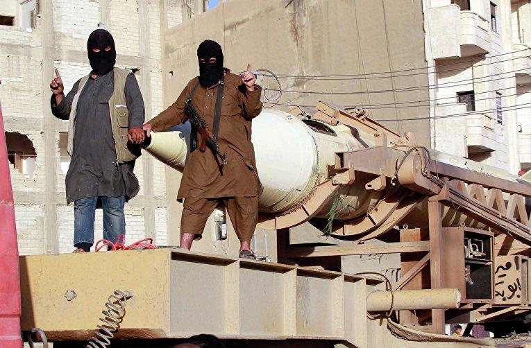 Парад в Ракке по поводу провозглашения халифата