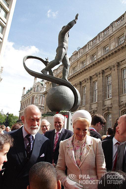 Открытие памятника Юрию Гагарину в Лондоне