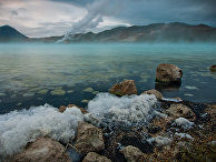 Горячее озеро рядом с озером Миван в Исландии
