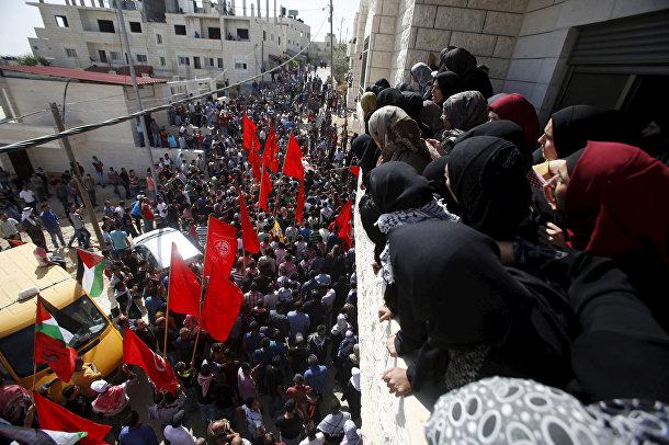 Похороны палестинца Мутаза Завахири, убитого израильской полицией, в Вифлееме