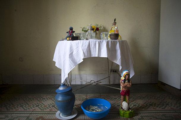 Алтарь, подготовленный к церемонии сантерии