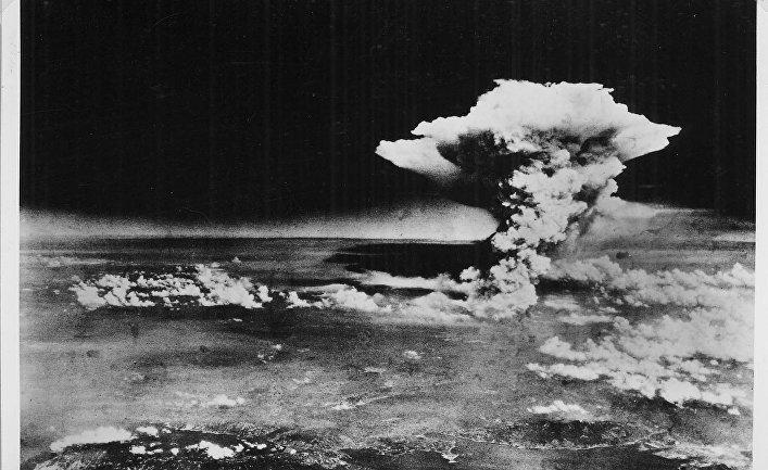Ядерный гриб над Хиросимой