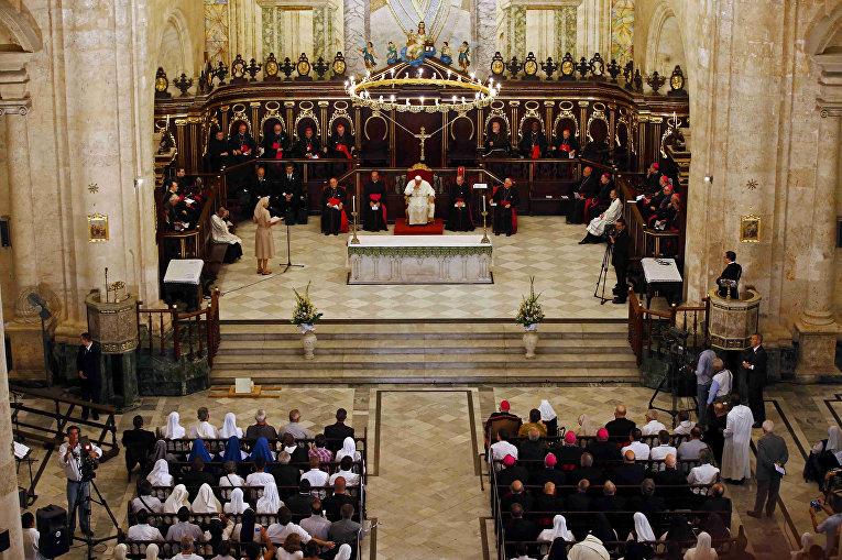 Папа Франциск служит мессу в Кафедральном соборе Гаваны