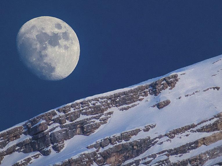 Луна и Антелао