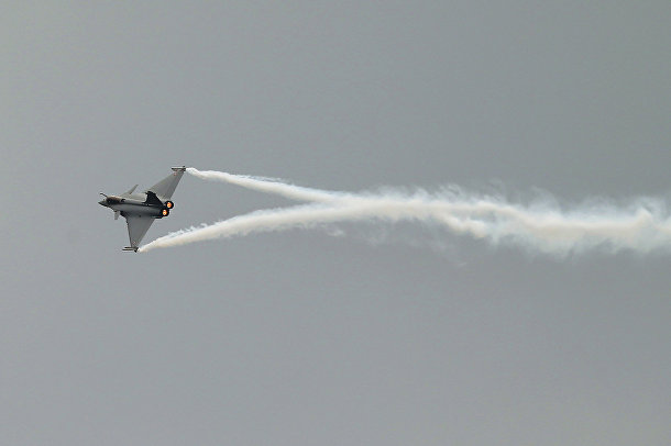 Французский истребитель Дассо «Рафаль» на 51-м Международном аэрокосмическом салоне в Ле-Бурже