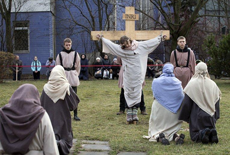 Сцены из жизни Христа в костеле в Минске