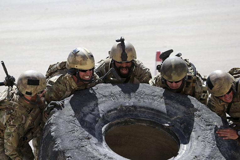 Канадские солдаты на 6-х ежегодных соревнованиях военных подразделений под эгидой короля Иордании Абдаллы II