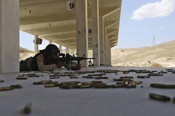 Участник из Иордании на 6-х ежегодных соревнованиях военных подразделений под эгидой короля Иордании Абдаллы II