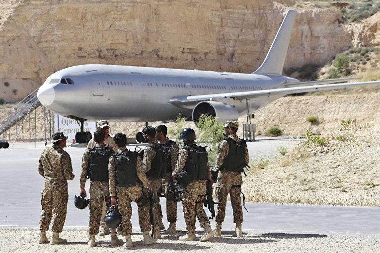 Солдаты из Пакистана на 6-х ежегодных соревнованиях военных подразделений под эгидой короля Иордании Абдаллы II