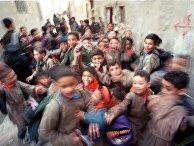 Ученики школы в пригороде Дамаска, Сирия