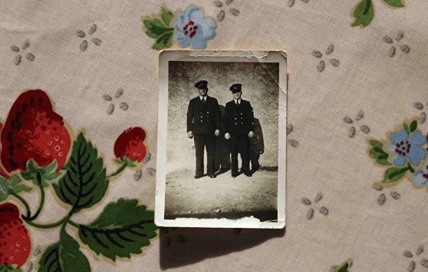 Фотография Джимми и Леонарда Ллойда из дважды благословенной деревни Хербрандстон