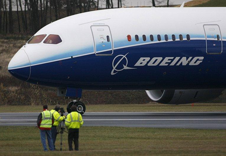 Первый испытательный полет Боинга-787 Dreamliner