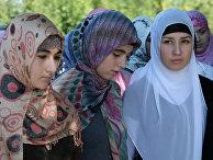 """Акция """"Как должна одеваться чеченская женщина"""" в Грозном"""