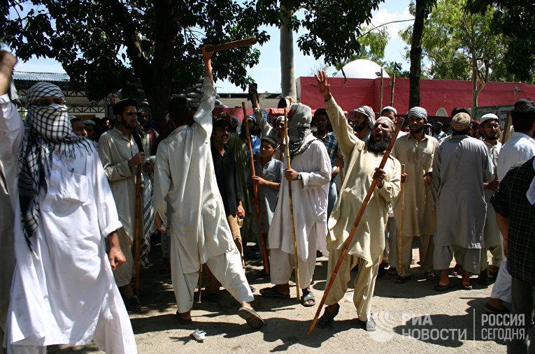 Противостояние радикальных исламистов и сил  правопорядка в Исламабаде