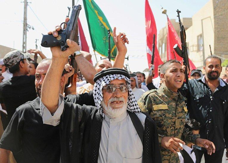 Добровольцы, присоединившиеся в иракской армии для борьбы с организацией «Исламское государство Ирака и Шама»