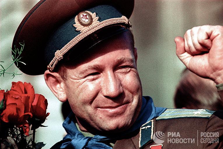 Космонавт Алексей Леонов